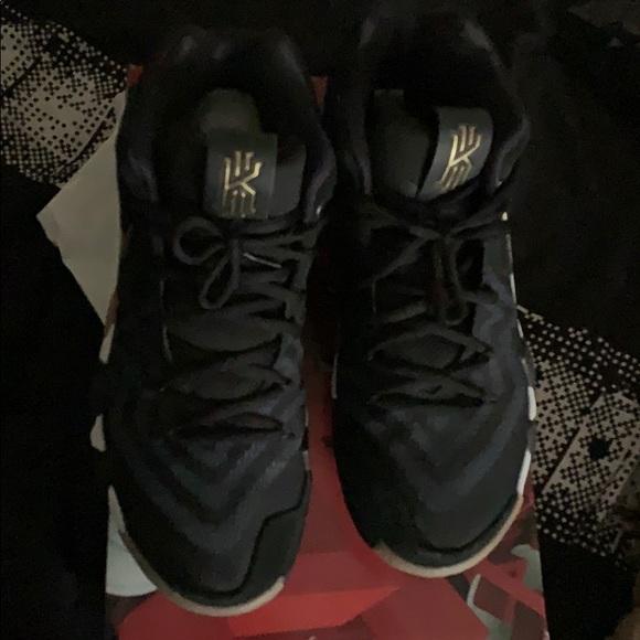 b0cc1153126 Nike Kyrie 4 Mens Black Gold Basketball Shoes. M 5c1833e2c2e9fec9a411a8b1